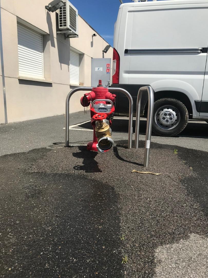 Maintenance de poteau incendie